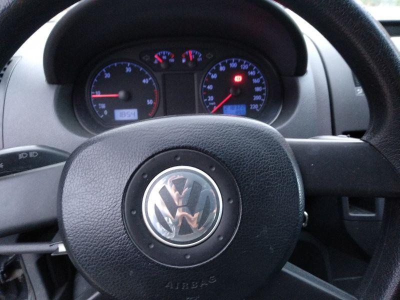 Se vende Wolsvagen Polo diesel TDI con 210.000km. Precio 1.500€.
