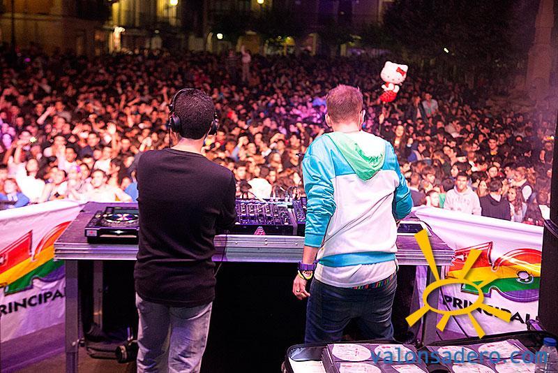 Noche DJs 2013