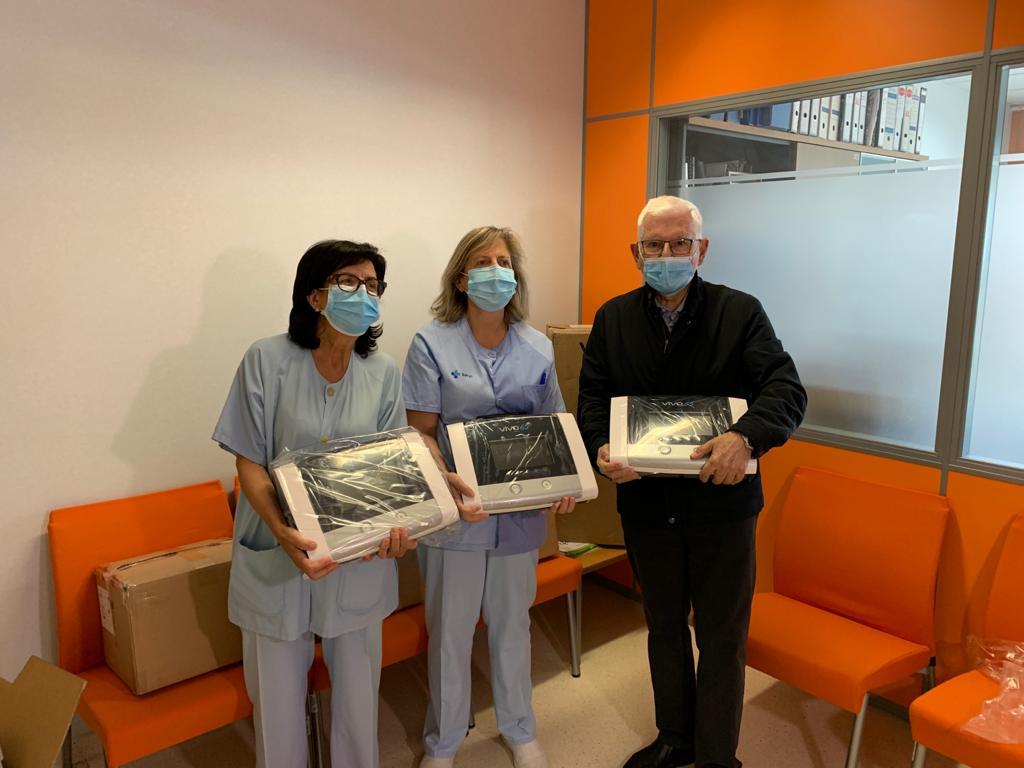 """Caja Rural de Soria a través de su Fundación Científica entrega 8 nuevos """"respiradores invasivos""""al Hospital Santa Bárbara."""