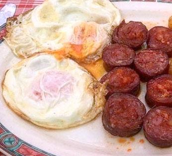 Pan chorizo y huevo para el jueves, en tú casa. Max. 4 pax.