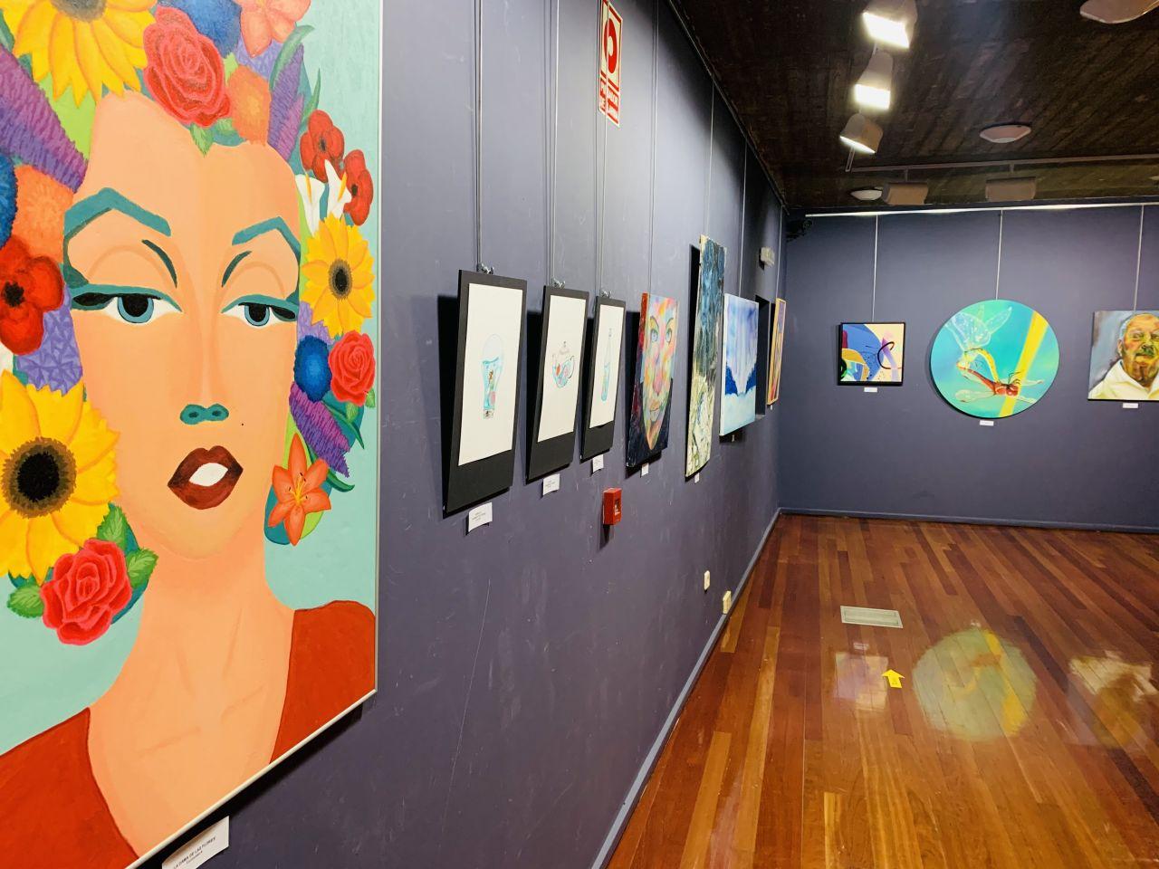 """El Ayuntamiento abre al público la exposición de artes plásticas en la sala Z de la Audiencia con """"diversidad de géneros y gran calidad"""""""