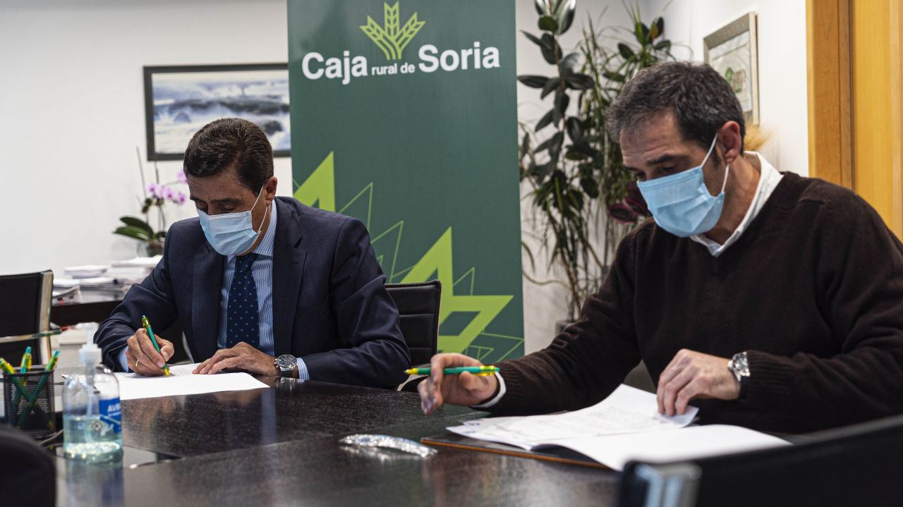 CAJA RURAL DE SORIA Y EL CD CALASANZ RENUEVAN CONVENIO DE COLABORACIÓN PARA EL AÑO 2021
