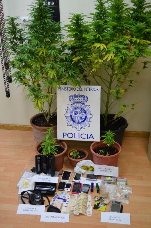 La Policía Nacional detiene a dos presuntos traficantes de droga