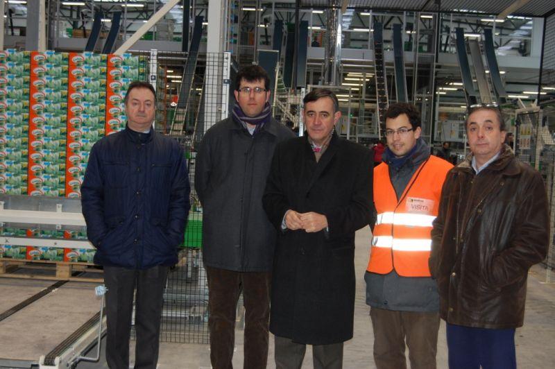 Visita a las instalaciones de Nufri en la Finca de la Rasa, empresa a ala que la Diputación ha concedido una ayuda a fondo perdido para la inversión de 124172,93 euros