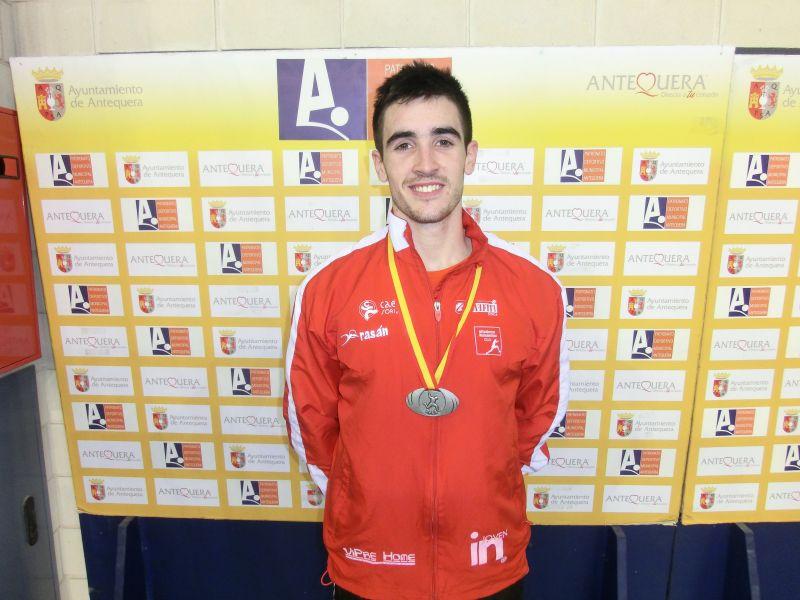 Mario Arancón, del CAEP Soria, con la selección absoluta de pruebas combinadas.