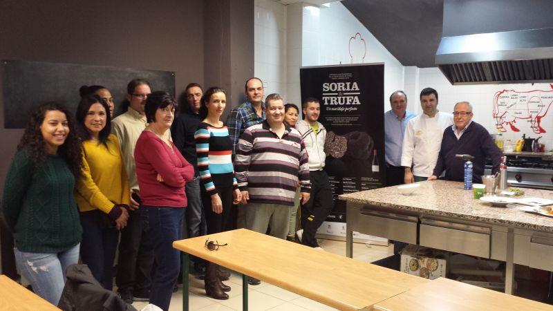 Veinte cocineros aprenden a sacar el mejor partido a la trufa negra de Soria