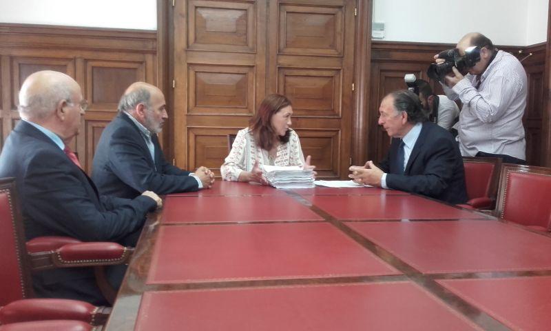 El Ministerio de Fomento incluirá en el pliego de condiciones de la línea de autobús Soria-Zaragoza paradas en Calatayud