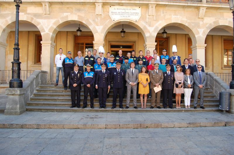 La Policía Local celebra su fiesta con la entrega de medallas y distinciones a sus agentes y representantes de Ejército, Guardia Civil, Policía Nacional y Bomberos