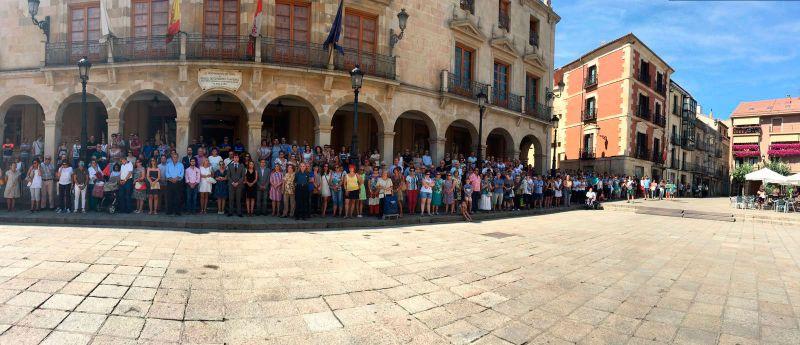 El PP de Soria se suma a los minutos de silencio convocados en el Senado, el Ayuntamiento de Soria y la Diputación en memoria de las víctimas del atentado terrorista de Barcelona