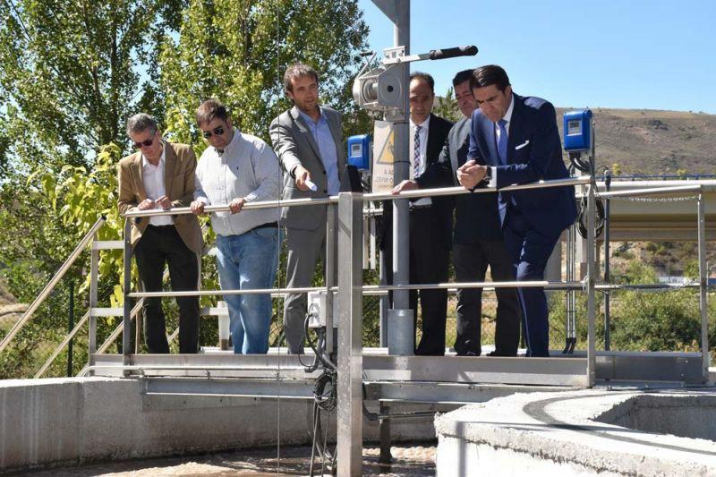 Suárez-Quiñones visita la depuradora de aguas residuales de Medinaceli, que ha supuesto una inversión de 1,9 millones de euros
