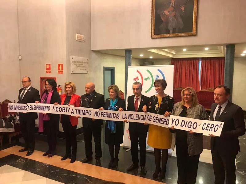 La delegada del Gobierno en Castilla y León preside la gala regional del Día Internacional contra la Violencia sobre la Mujer con un reconocimiento a entidades y colectivos que colaboran en asistencia y protección a las víctimas, y al mundo educativo