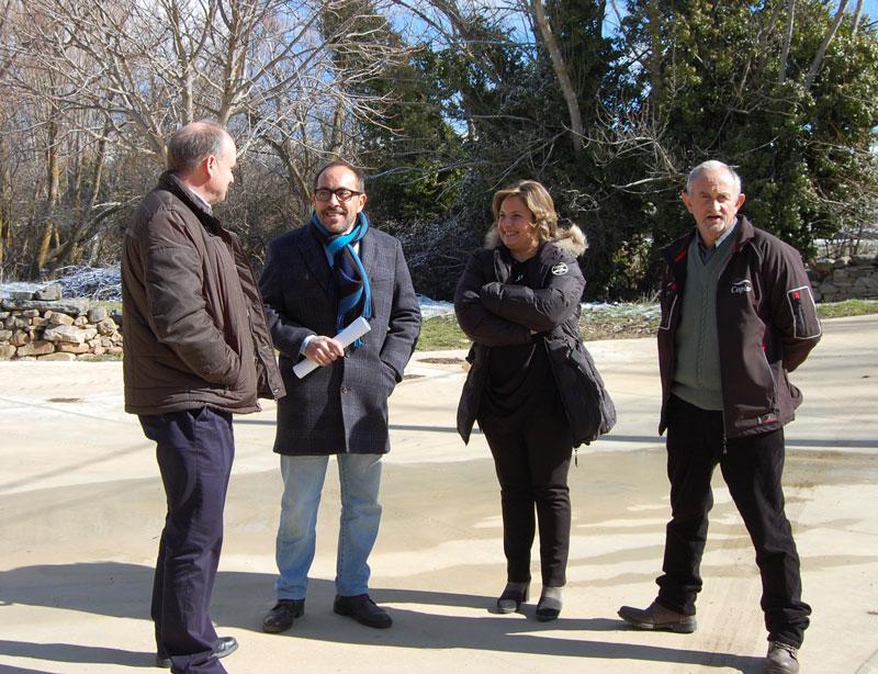 Luis Rey y Esther Pérez visitan las obras de Planes Provinciales y Carreteras ejecutadas en Arévalo de la Sierra en los dos últimos años con una inversión superior a los 280.000 euros