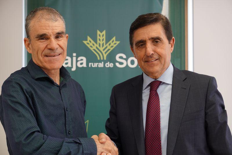 Firma de convenio entre ASAMIS y Caja Rural de Soria.